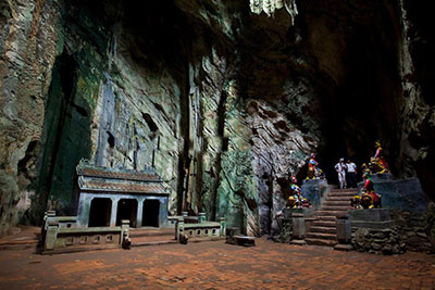 marble mountains & museum